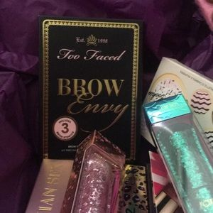 One palette Too faced Brow envy kit new authentic